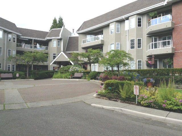 """Main Photo: 106 2020 CEDAR VILLAGE Crescent in North Vancouver: Westlynn Condo for sale in """"KIRKSTONE GARDENS"""" : MLS®# R2092643"""