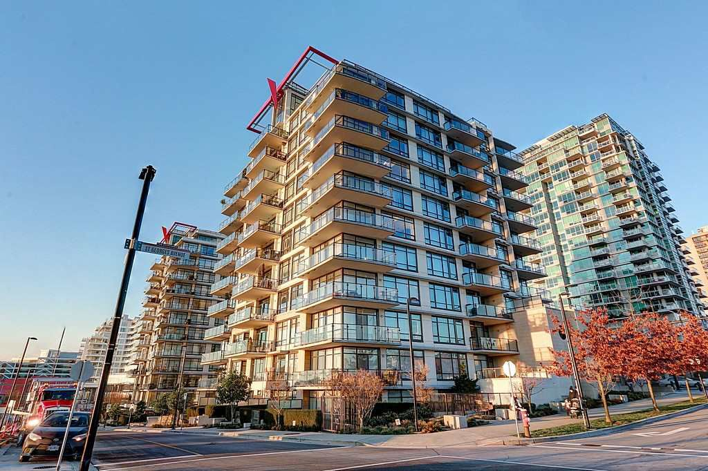 """Main Photo: 1107 172 VICTORY SHIP Way in North Vancouver: Lower Lonsdale Condo for sale in """"THE ATRIUM"""" : MLS®# R2127312"""