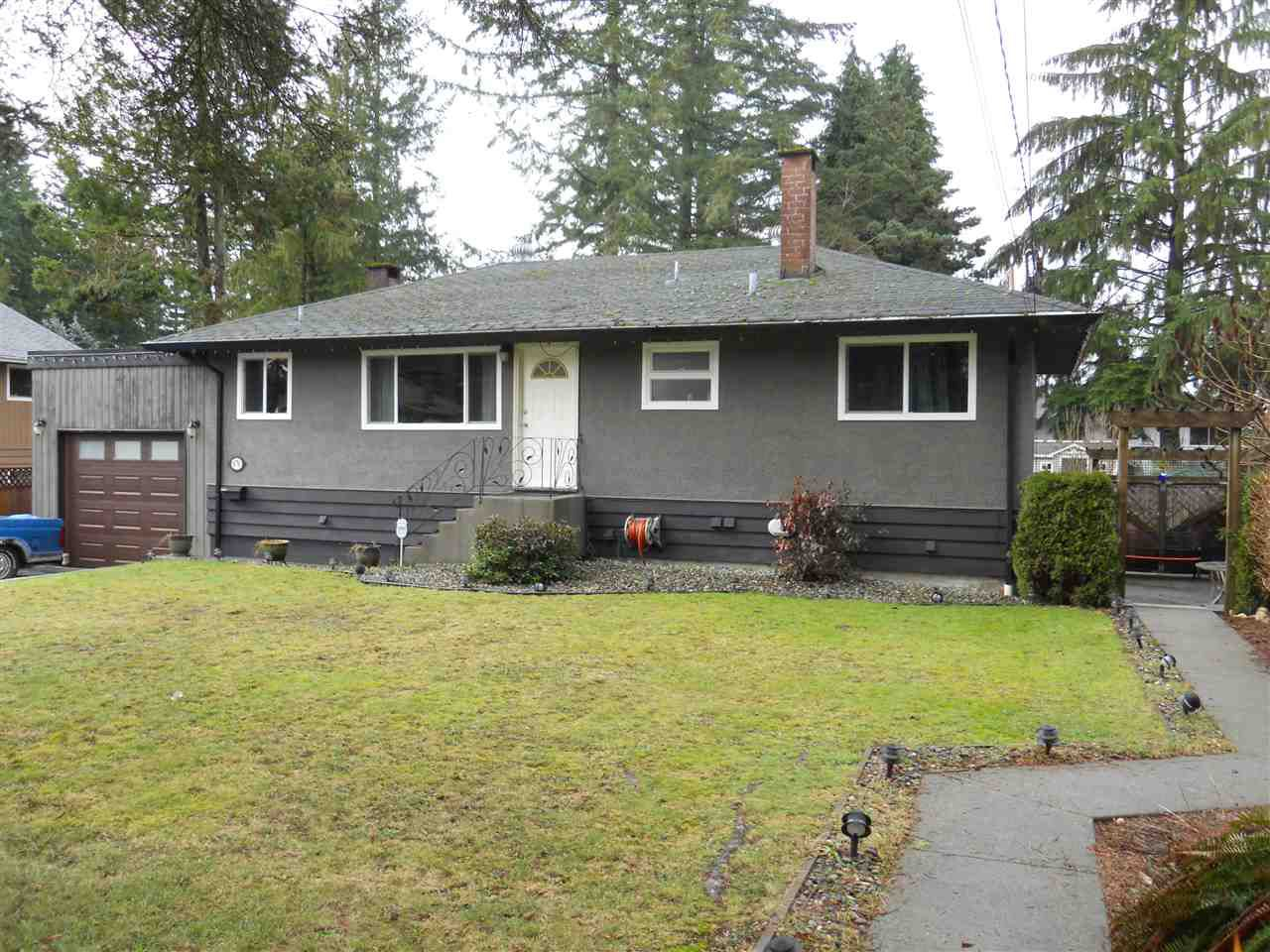 Main Photo: 670 SCHOOLHOUSE Street in Coquitlam: Central Coquitlam House for sale : MLS®# R2137061