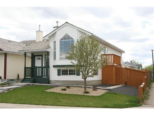 Main Photo: 416 MT ABERDEEN Close SE in Calgary: McKenzie Lake House for sale : MLS®# C4116988