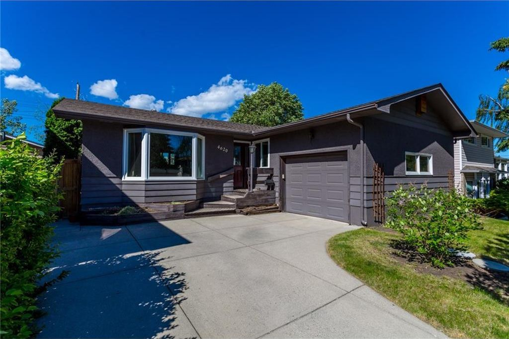 Main Photo: 4620 29 Avenue SW in Calgary: Glenbrook House for sale : MLS®# C4111660