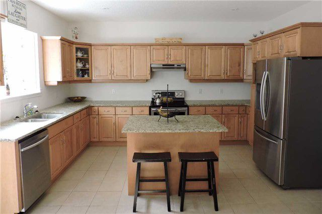 Photo 3: Photos: 498 Black Street in Centre Wellington: Fergus House (2-Storey) for sale : MLS®# X3876188