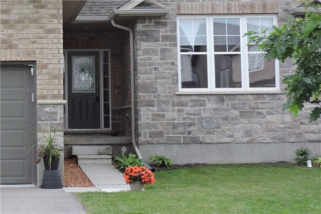 Photo 2: Photos: 498 Black Street in Centre Wellington: Fergus House (2-Storey) for sale : MLS®# X3876188