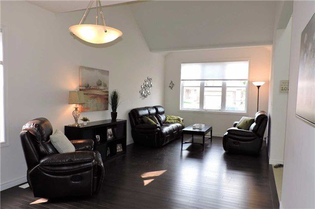 Photo 6: Photos: 498 Black Street in Centre Wellington: Fergus House (2-Storey) for sale : MLS®# X3876188