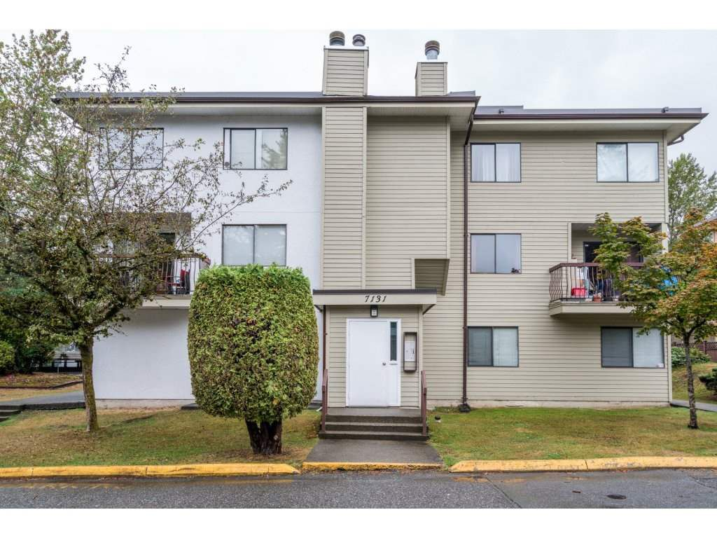 """Main Photo: 204 7131 133A Street in Surrey: West Newton Townhouse for sale in """"Suncreek Estates"""" : MLS®# R2207163"""