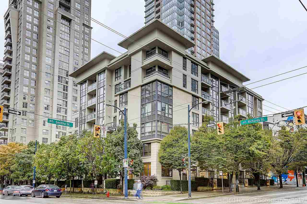 """Main Photo: 204 538 SMITHE Street in Vancouver: Downtown VW Condo for sale in """"THE MODE"""" (Vancouver West)  : MLS®# R2216752"""