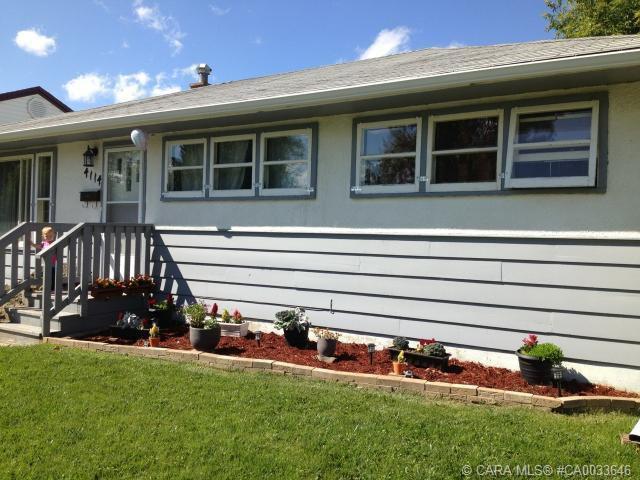 Main Photo: 4114 38 Street in Red Deer: RR Mountview Residential for sale : MLS®# CA0033646