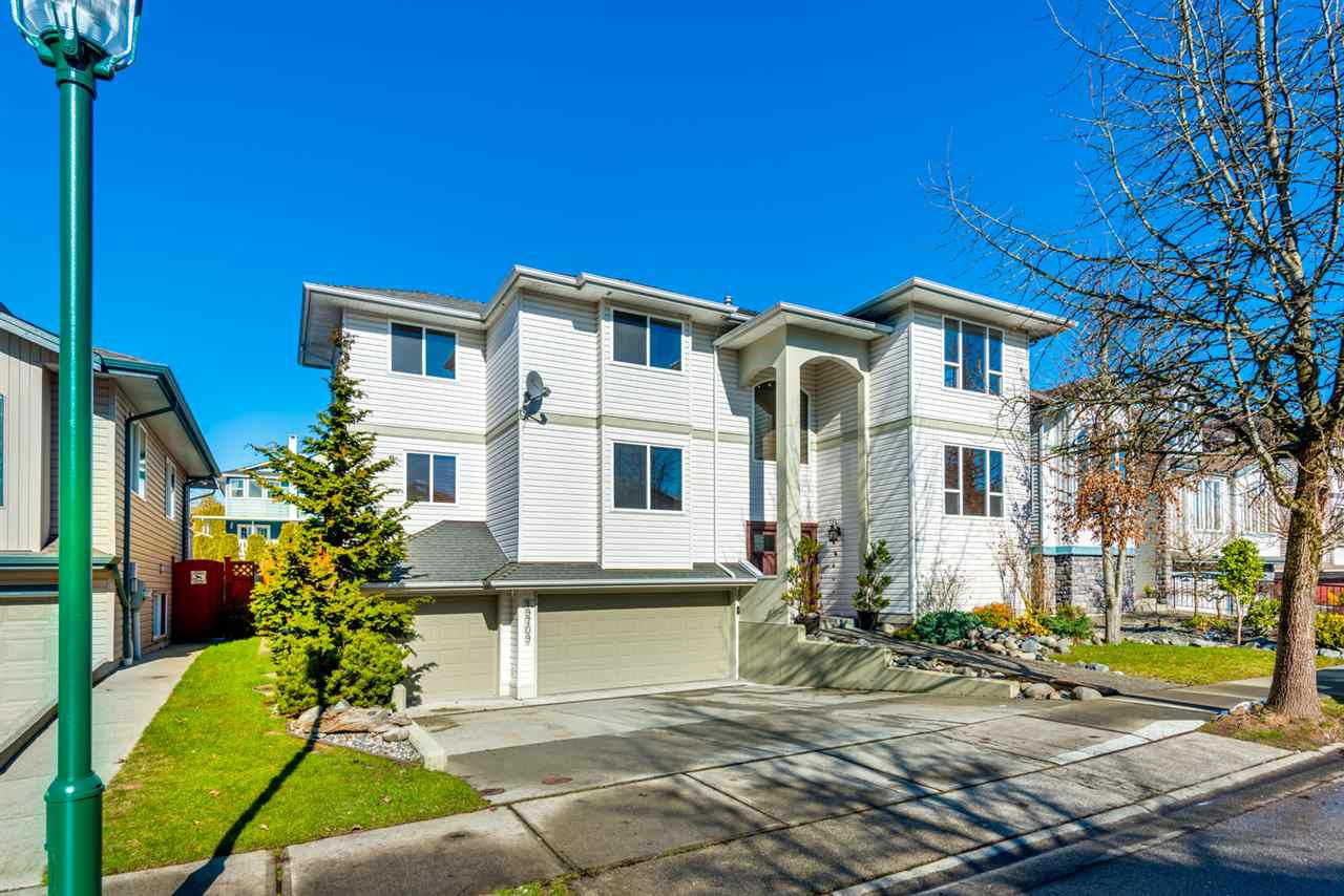 """Main Photo: 19709 JOYNER Place in Pitt Meadows: South Meadows House for sale in """"EMERALD MEADOWS"""" : MLS®# R2243179"""