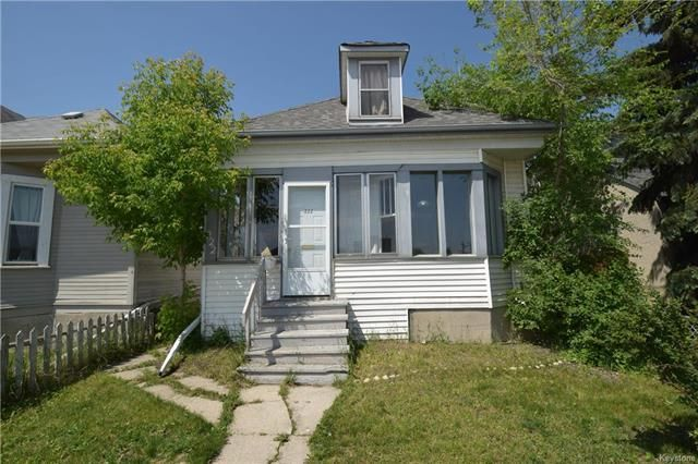 Main Photo: 222 Queen Street in Winnipeg: St James Residential for sale (5E)  : MLS®# 1815663
