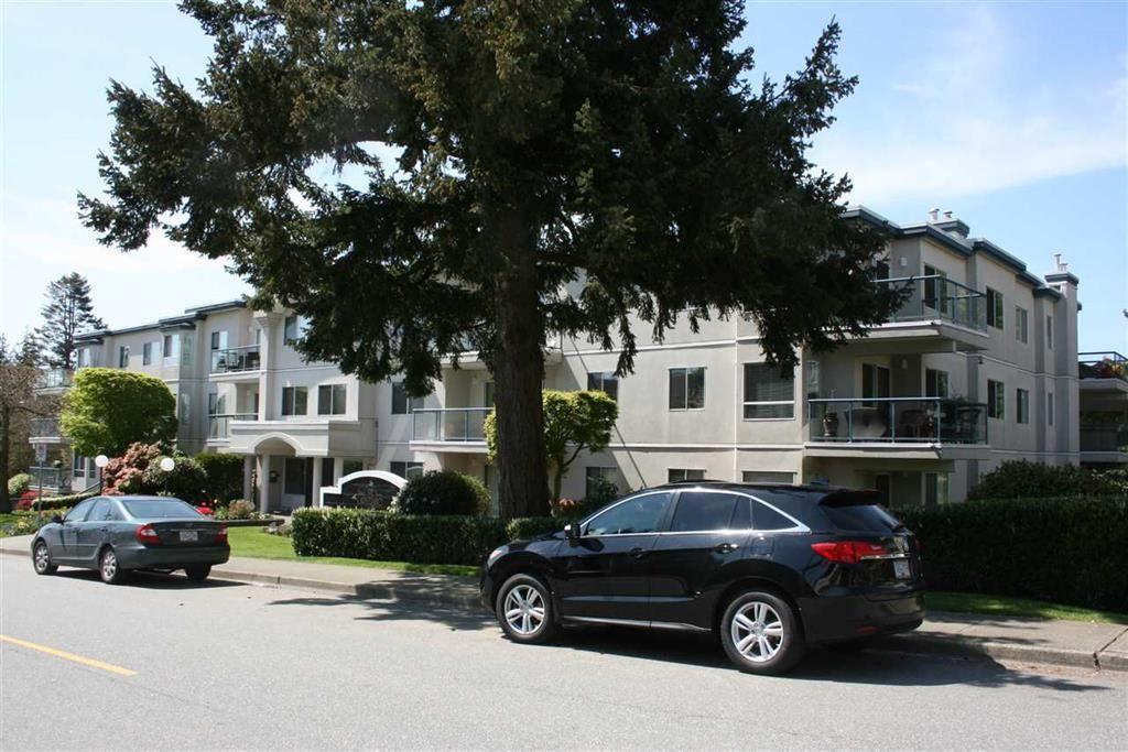"Main Photo: 206 1441 BLACKWOOD Street: White Rock Condo for sale in ""CAPISTRANO"" (South Surrey White Rock)  : MLS®# R2293163"