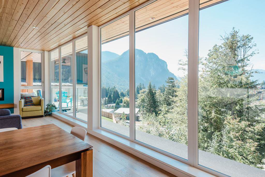 """Main Photo: 2180 WINDSAIL Place in Squamish: Plateau House for sale in """"Crumpit Woods"""" : MLS®# R2304115"""