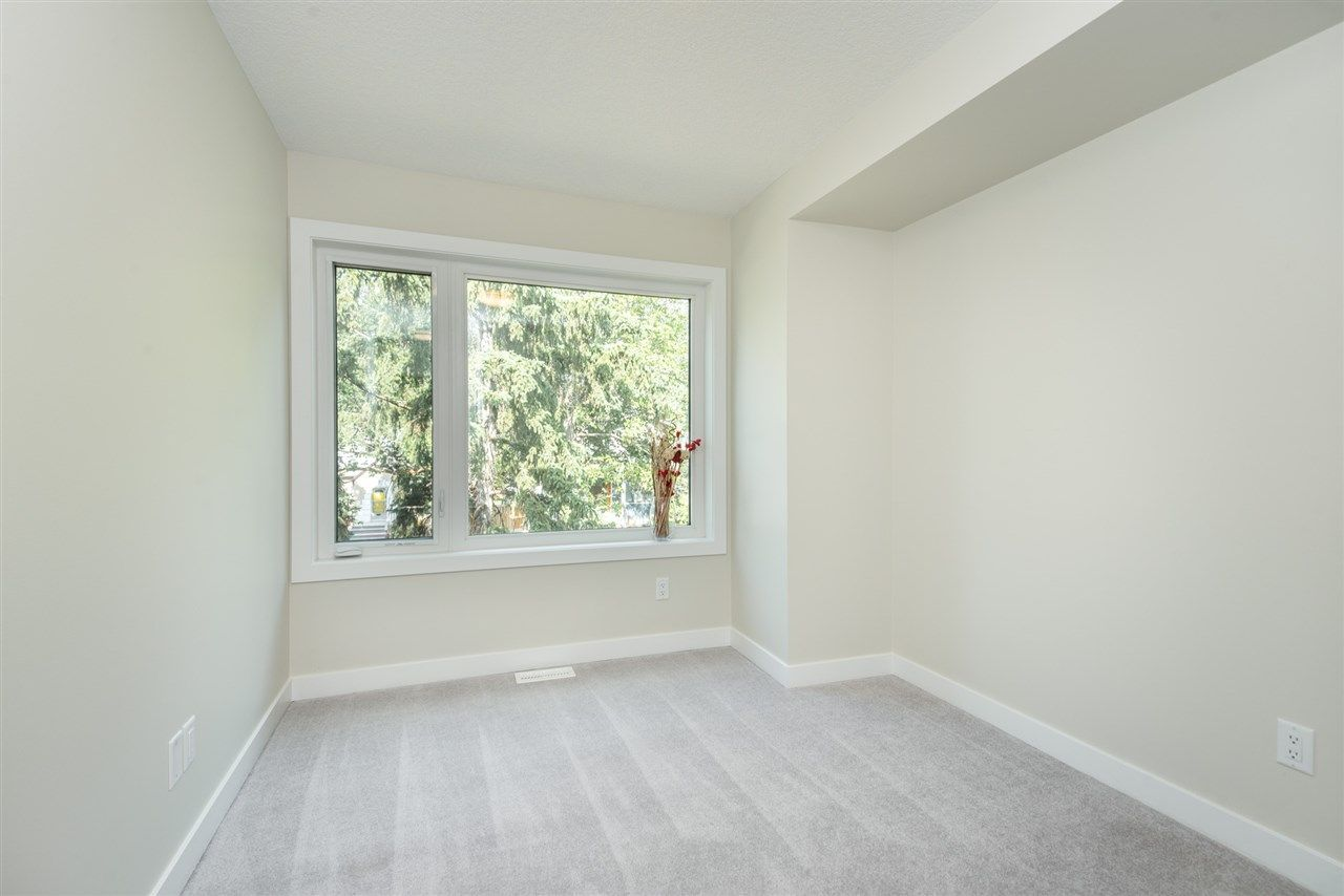 Photo 25: Photos: 11155 77 Avenue in Edmonton: Zone 15 House Half Duplex for sale : MLS®# E4145275