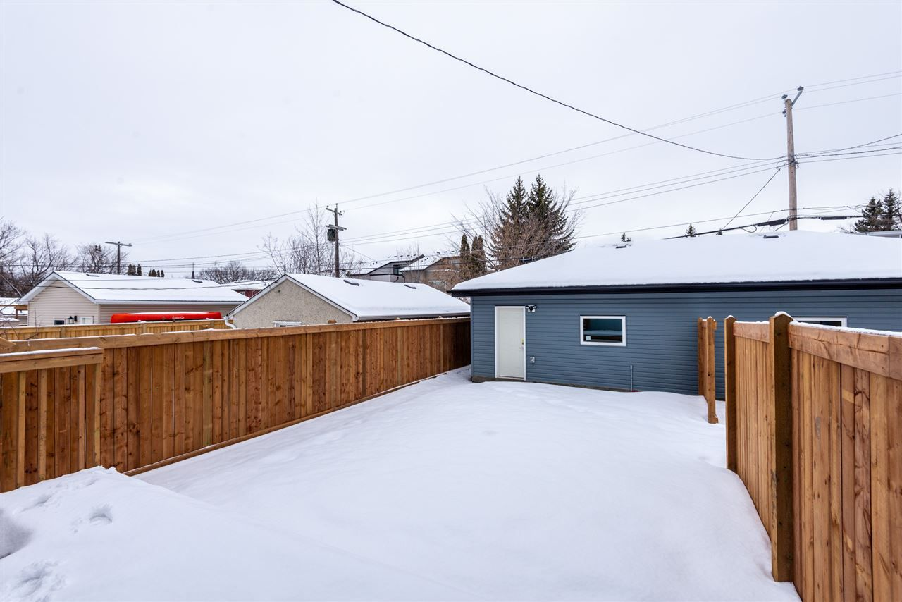 Photo 28: Photos: 11155 77 Avenue in Edmonton: Zone 15 House Half Duplex for sale : MLS®# E4145275