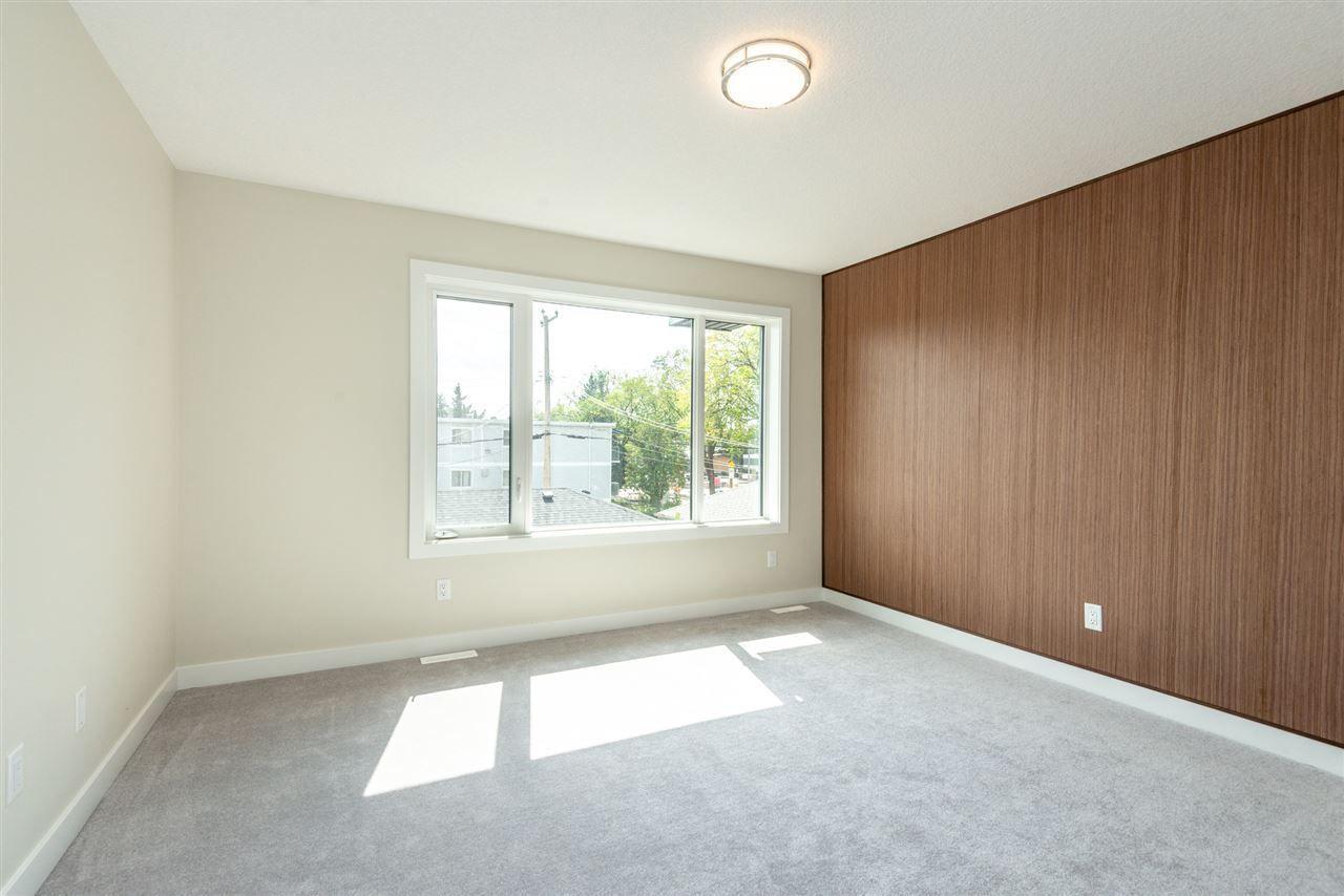 Photo 17: Photos: 11155 77 Avenue in Edmonton: Zone 15 House Half Duplex for sale : MLS®# E4145275