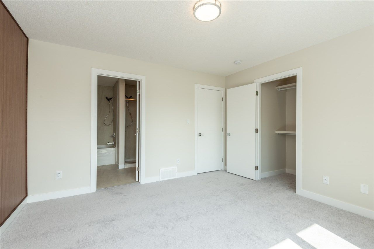 Photo 18: Photos: 11155 77 Avenue in Edmonton: Zone 15 House Half Duplex for sale : MLS®# E4145275