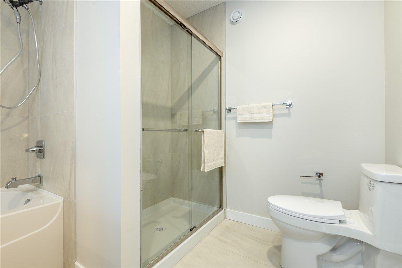 Photo 21: Photos: 11155 77 Avenue in Edmonton: Zone 15 House Half Duplex for sale : MLS®# E4145275