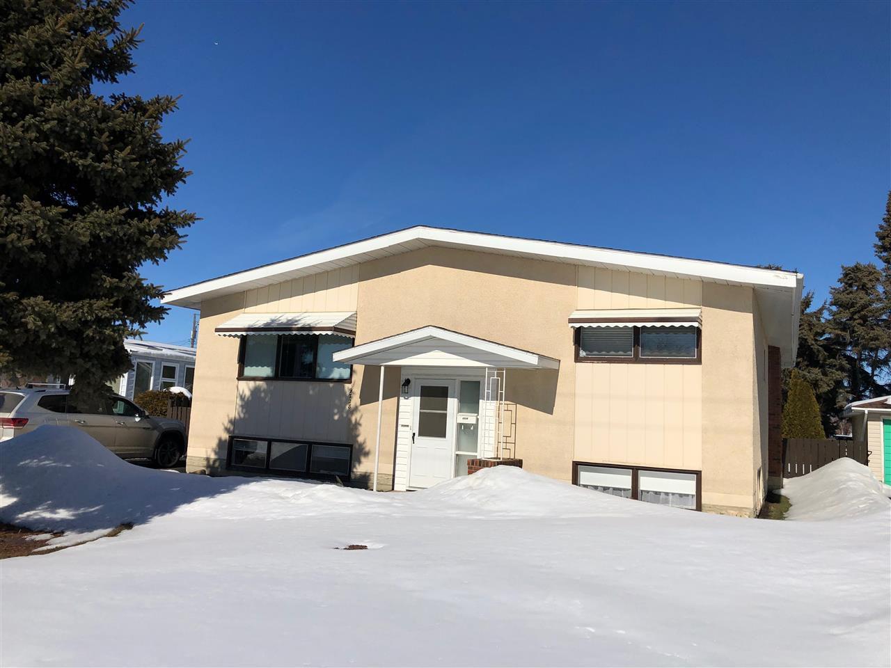 Main Photo: 9728 99 Street: Westlock House for sale : MLS®# E4148425