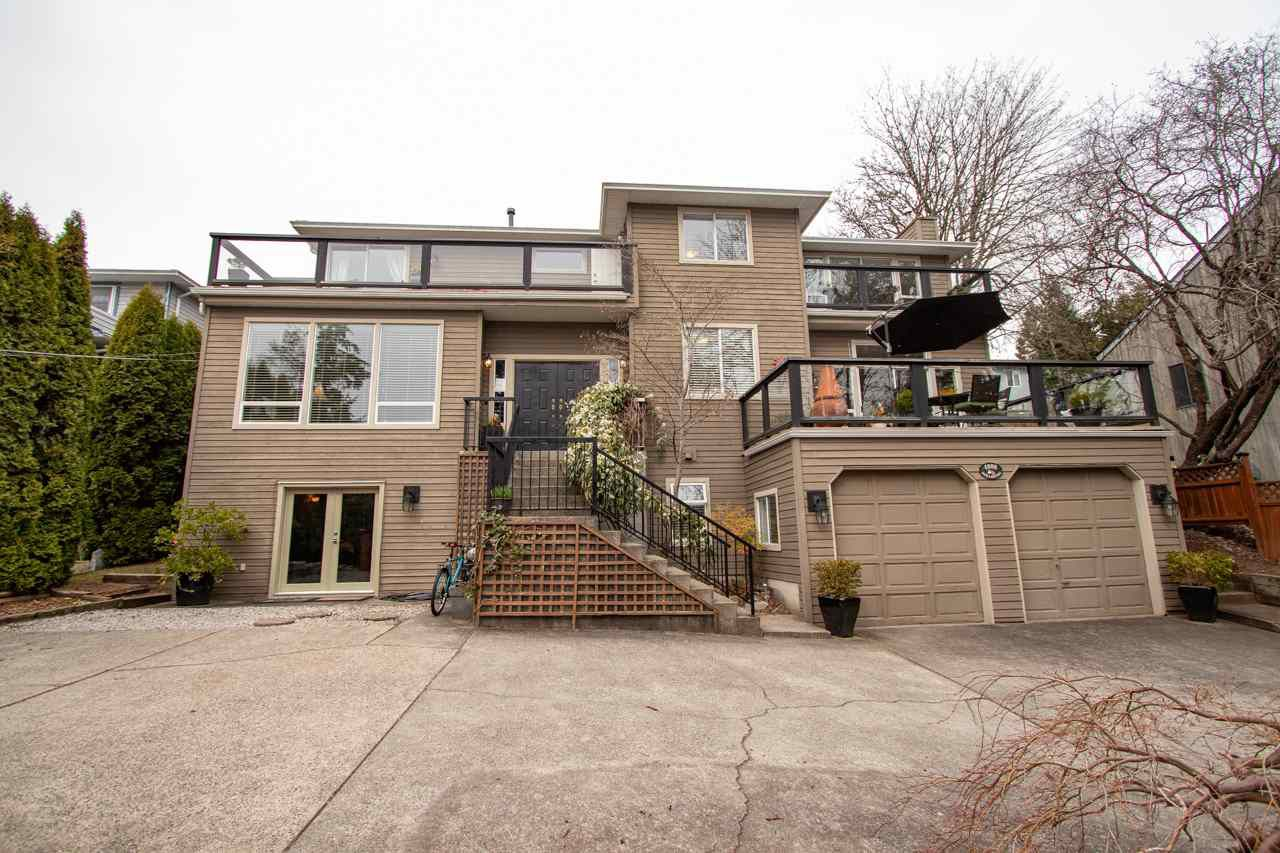 Main Photo: 4088 DOLLARTON Highway in North Vancouver: Dollarton House for sale : MLS®# R2352003