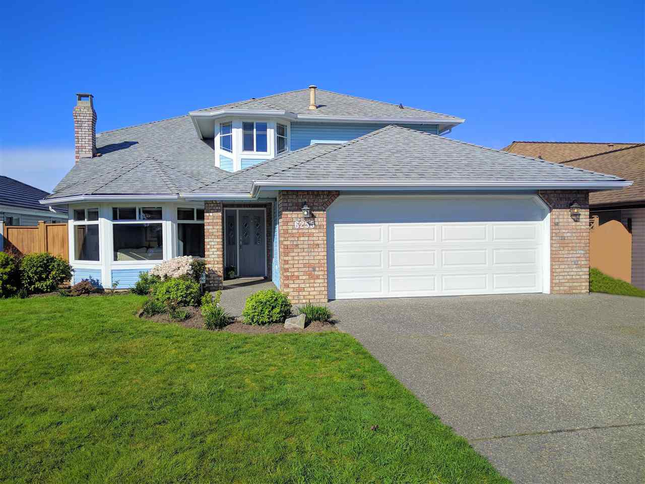 """Main Photo: 6255 HOLLY PARK Drive in Delta: Holly House for sale in """"HOLLY"""" (Ladner)  : MLS®# R2359650"""