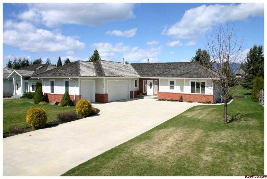 Main Photo: 2532 Golfview Crescent: Blind Bay House for sale (Shuswap/Revelstoke)  : MLS®# 10063132
