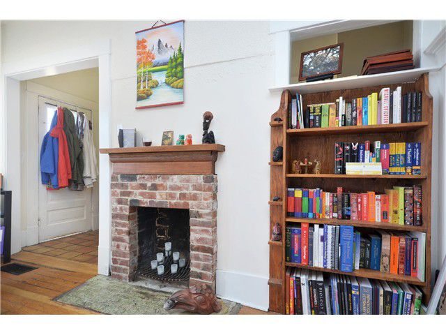 Photo 4: Photos: 1132 E 12TH AV in Vancouver: Mount Pleasant VE House for sale (Vancouver East)  : MLS®# V1023872