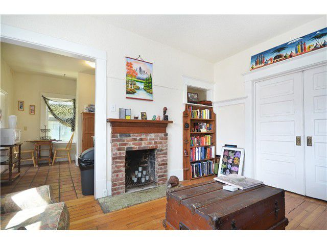 Photo 6: Photos: 1132 E 12TH AV in Vancouver: Mount Pleasant VE House for sale (Vancouver East)  : MLS®# V1023872