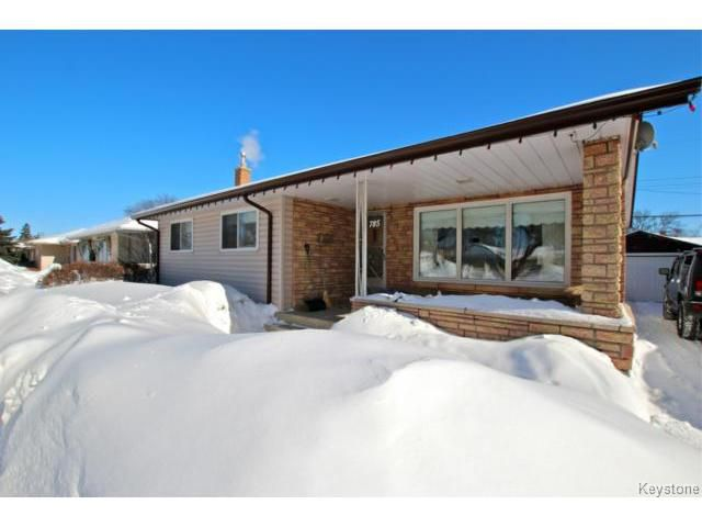 Main Photo: 785 Airlies Street in WINNIPEG: West Kildonan / Garden City Residential for sale (North West Winnipeg)  : MLS®# 1403432