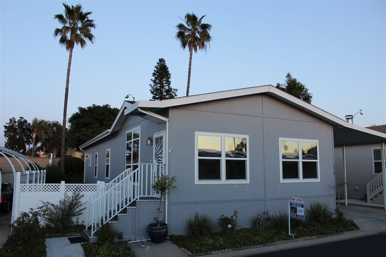 Main Photo: CARLSBAD SOUTH Manufactured Home for sale : 3 bedrooms : 7118 San Bartolo in Carlsbad