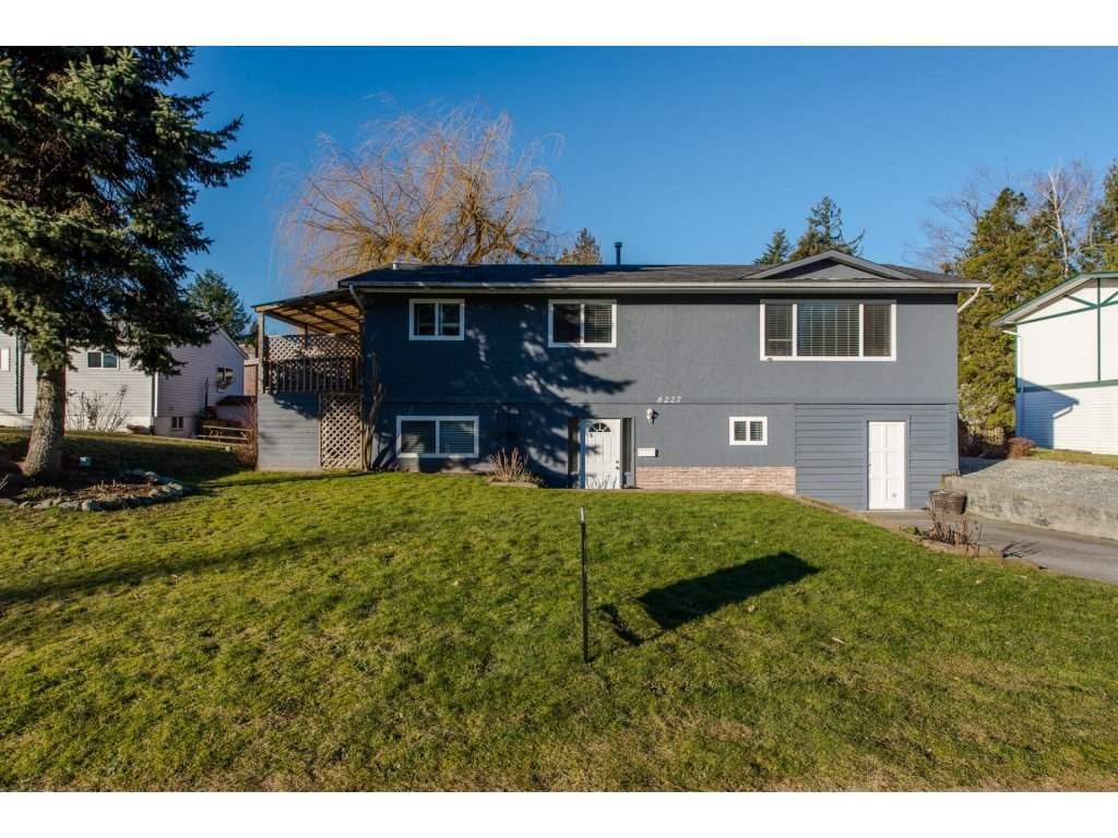 Main Photo: 8227 VIOLA Place in Mission: Mission BC House for sale : MLS®# R2135210