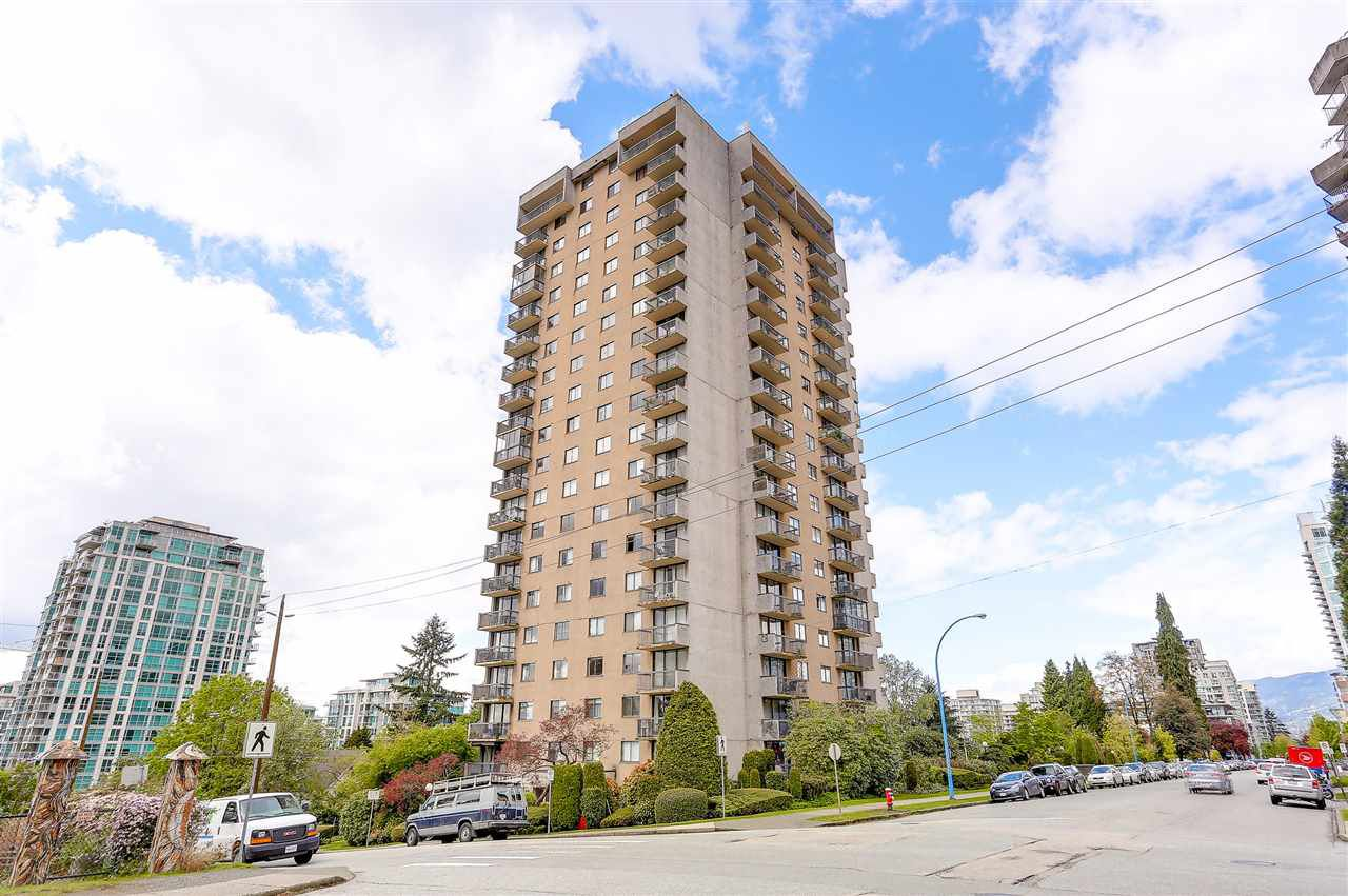"""Main Photo: 1507 145 ST. GEORGES Avenue in North Vancouver: Lower Lonsdale Condo for sale in """"TALISMAN TOWERS"""" : MLS®# R2203430"""