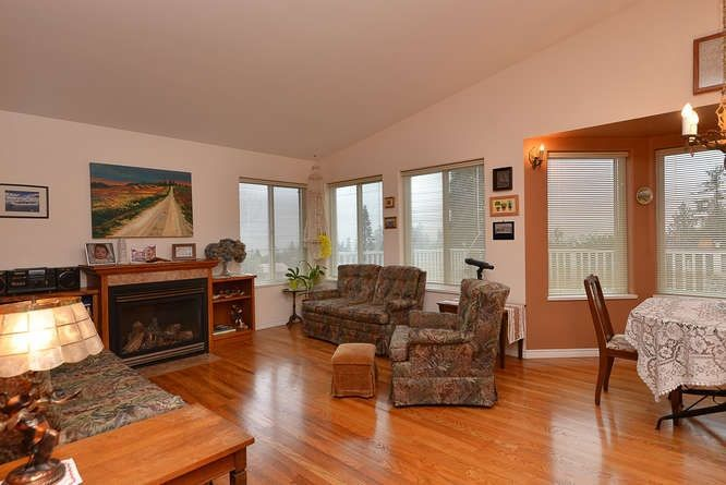 "Photo 7: Photos: 6217 NORWEST BAY Road in Sechelt: Sechelt District House for sale in ""WEST SECHELT"" (Sunshine Coast)  : MLS®# R2230873"