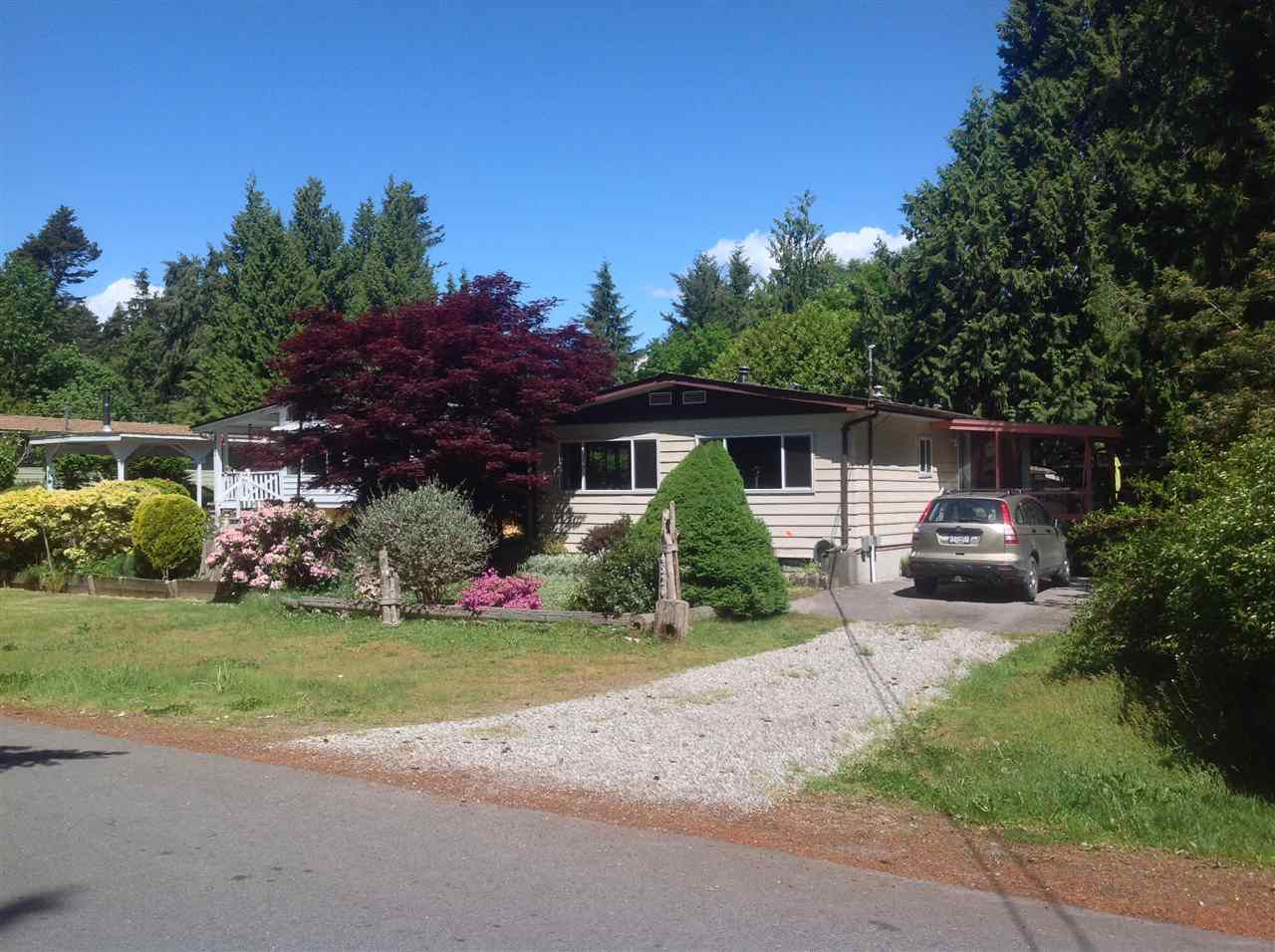Main Photo: 4526 STALASHEN Drive in Sechelt: Sechelt District Manufactured Home for sale (Sunshine Coast)  : MLS®# R2262649