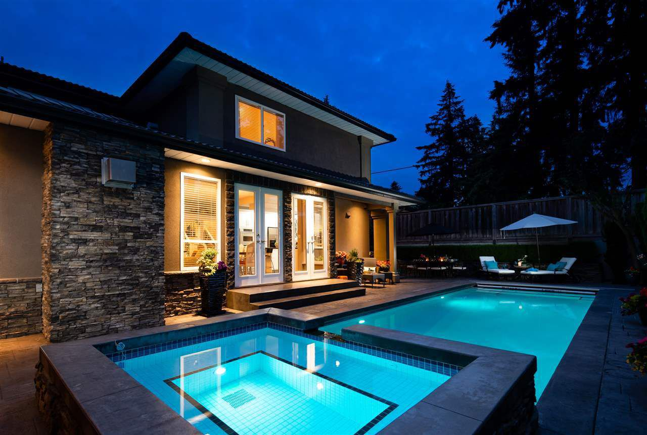 """Main Photo: 671 ROBINSON Street in Coquitlam: Coquitlam West House for sale in """"COTTONWOOD ESTATE"""" : MLS®# R2290887"""