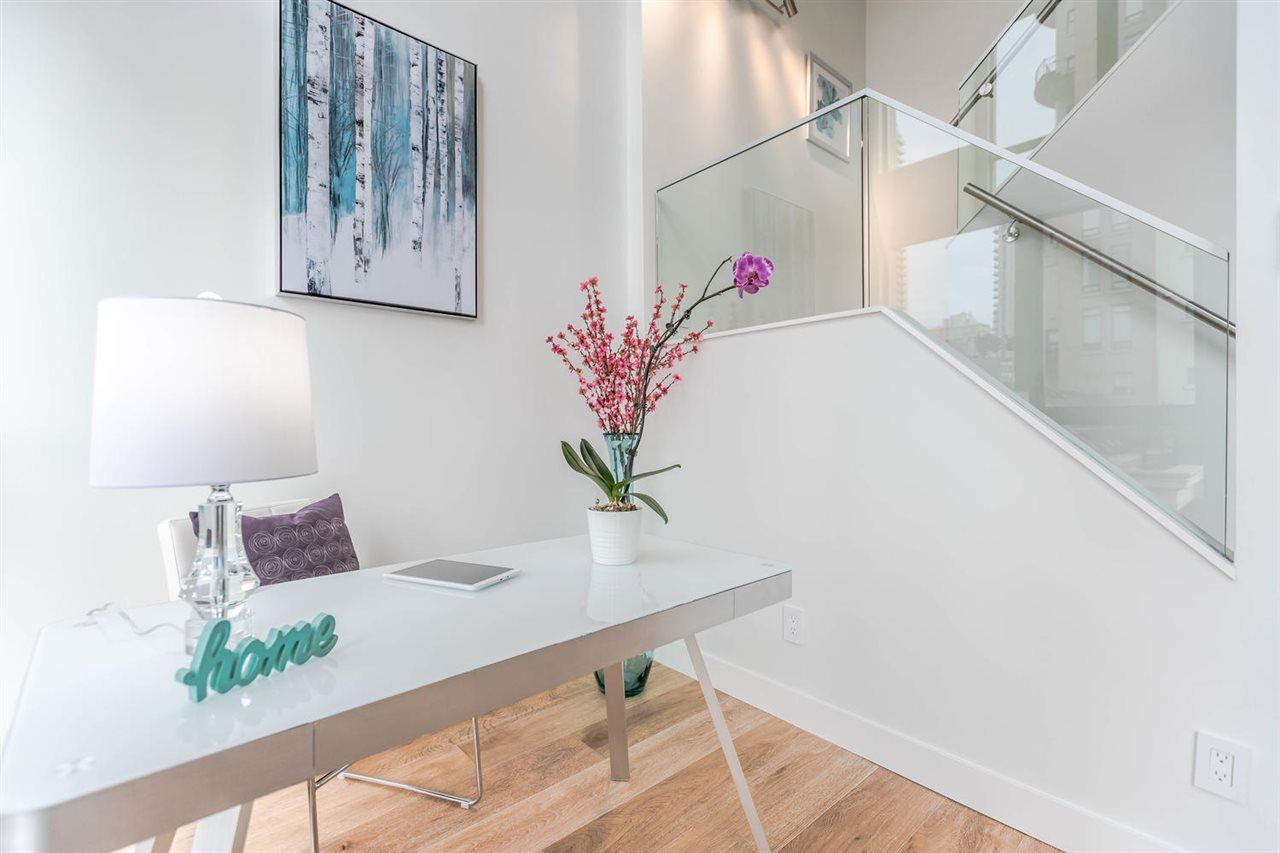 """Main Photo: 602 1238 RICHARDS Street in Vancouver: Yaletown Condo for sale in """"METROPOLIS"""" (Vancouver West)  : MLS®# R2293908"""