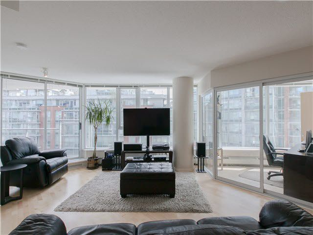 Main Photo: 502 689 ABBOTT Street in Vancouver: Downtown VW Condo for sale (Vancouver West)  : MLS®# V1141616