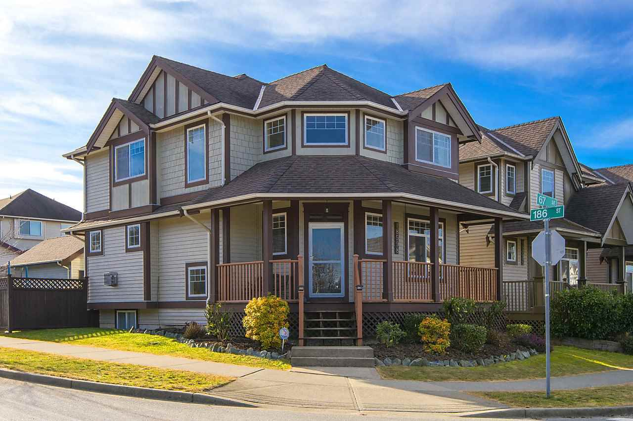 Main Photo: 18598 67 Avenue in Surrey: Cloverdale BC House for sale (Cloverdale)  : MLS®# R2137279
