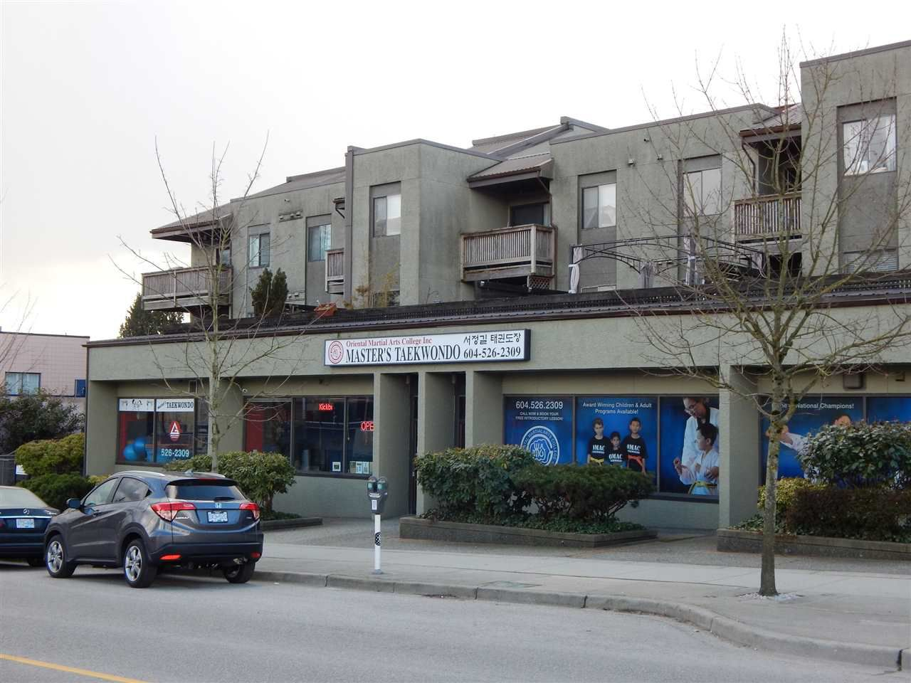 "Main Photo: 102 836 TWELFTH Street in New Westminster: West End NW Condo for sale in ""LONDON PLACE"" : MLS®# R2141065"