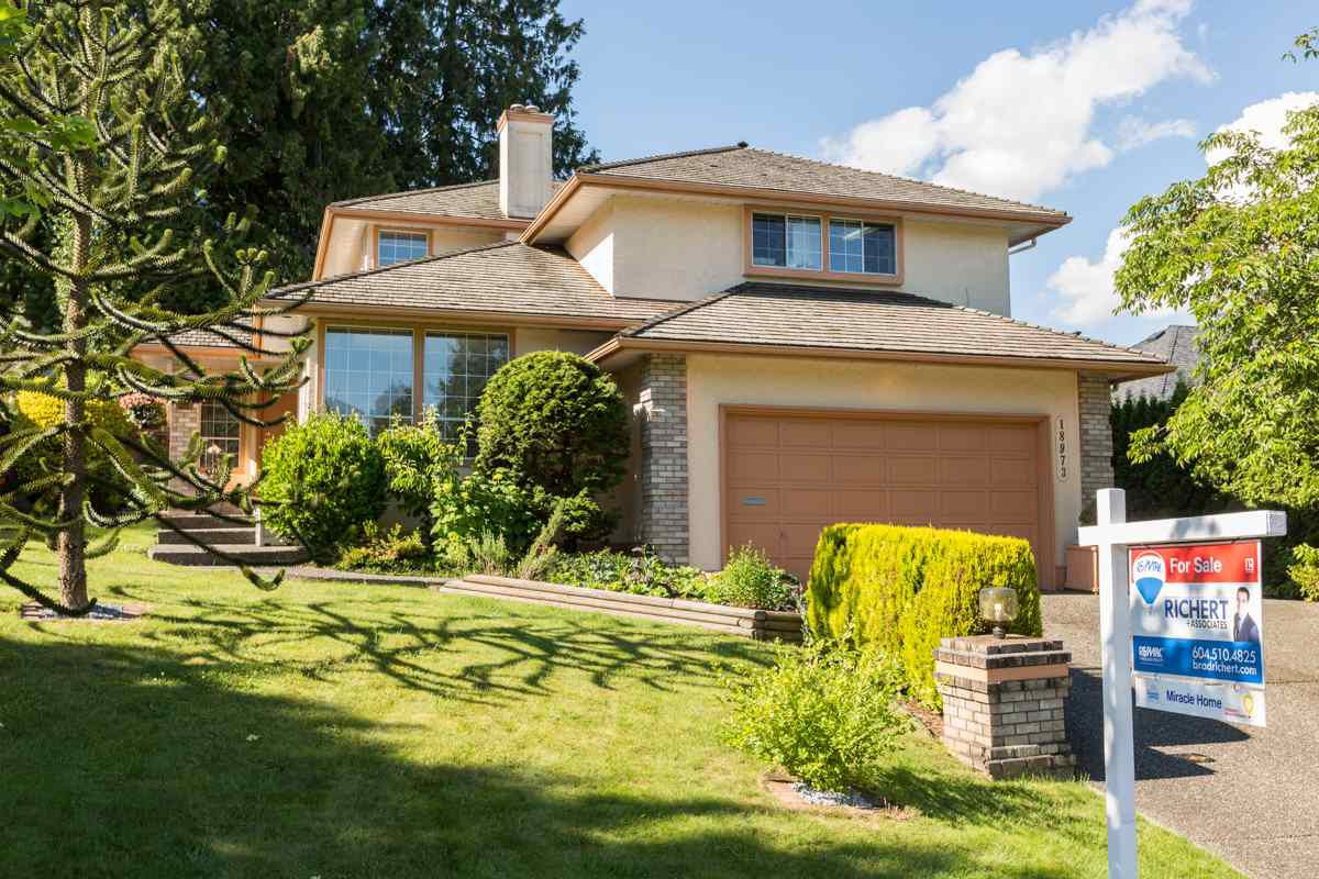 """Main Photo: 18973 58TH Avenue in Surrey: Cloverdale BC House for sale in """"Rosewood Park"""" (Cloverdale)  : MLS®# R2179621"""