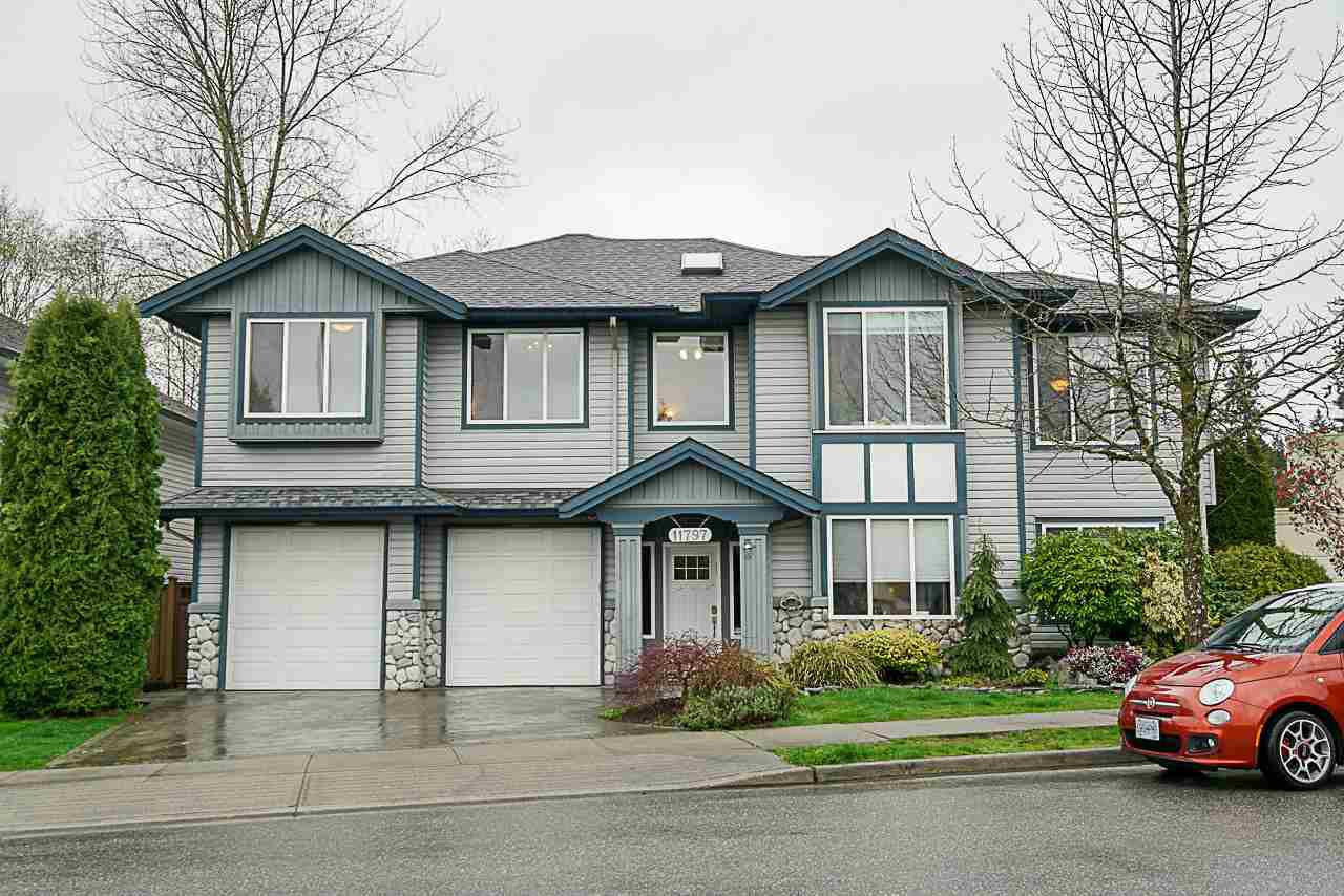Main Photo: 11797 CREEKSIDE Street in Maple Ridge: Cottonwood MR House for sale : MLS®# R2269272