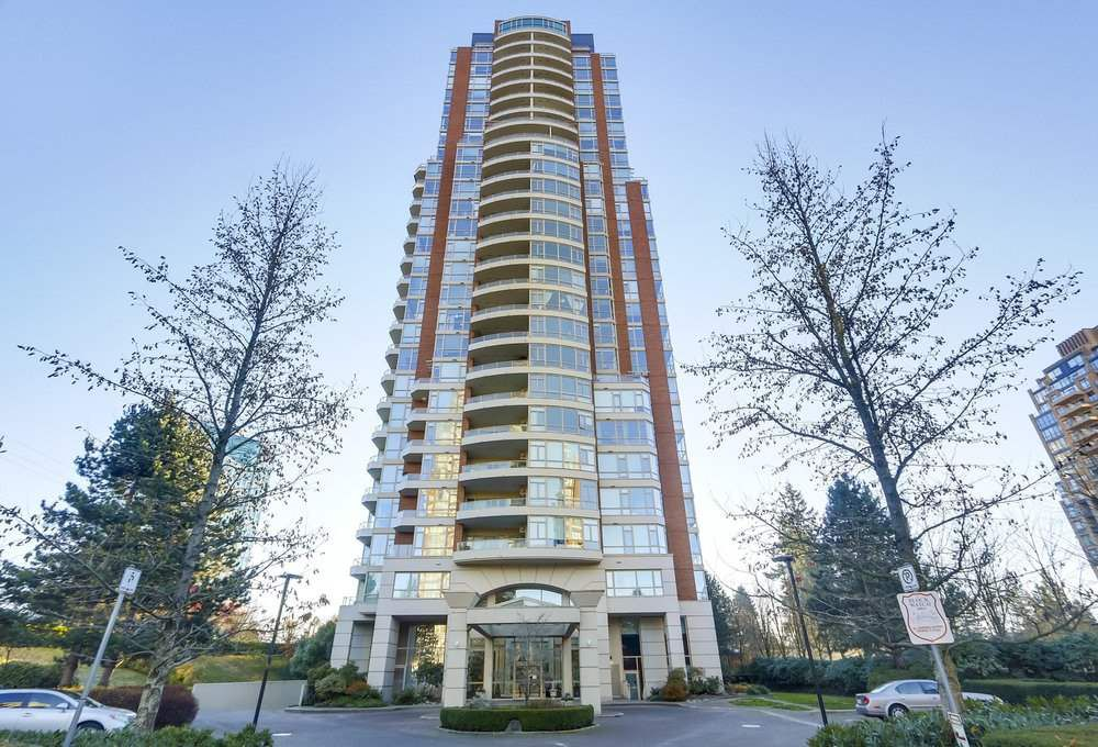 "Main Photo: 1001 6838 STATION HILL Drive in Burnaby: South Slope Condo for sale in ""CITY IN THE PARK"" (Burnaby South)  : MLS®# R2337016"