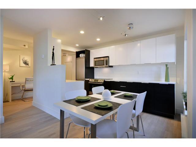 "Main Photo: 103 825 E 7TH Avenue in Vancouver: Mount Pleasant VE Condo for sale in ""MT PLEASANT MANOR"" (Vancouver East)  : MLS®# V920288"
