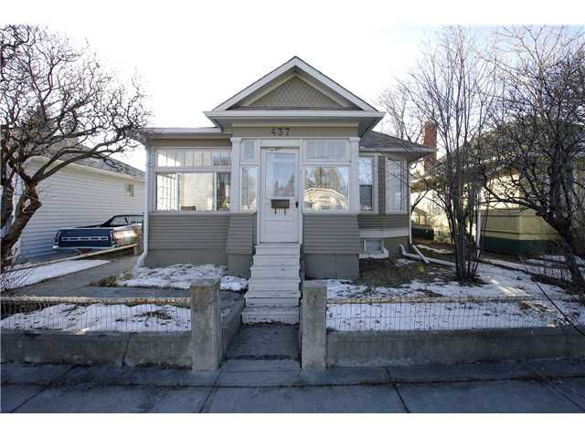 Main Photo: 437 20 Avenue NW in CALGARY: Mount Pleasant Residential Detached Single Family for sale (Calgary)  : MLS®# C3502843