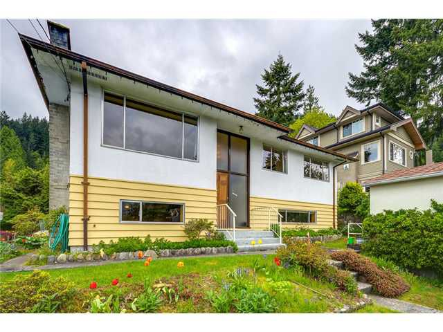 Main Photo: 4377 MOUNTAIN Highway in North Vancouver: Lynn Valley House for sale : MLS®# V1062328