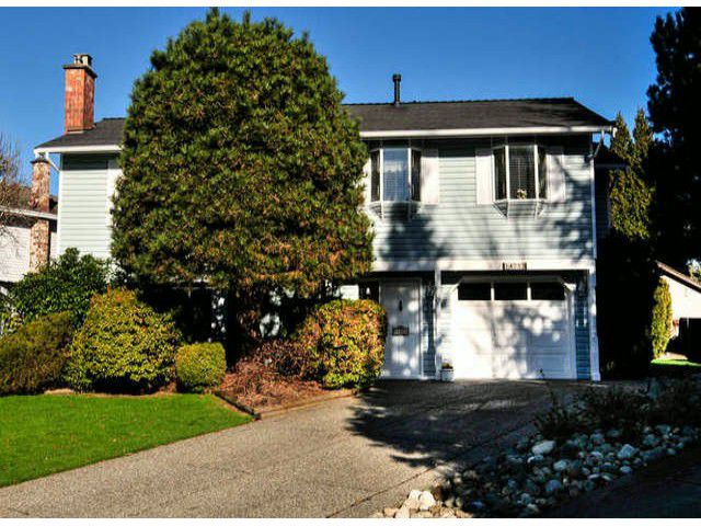"Main Photo: 14253 18TH Avenue in Surrey: Sunnyside Park Surrey House for sale in ""OCEAN BLUFF ESTATES"" (South Surrey White Rock)  : MLS®# F1431478"