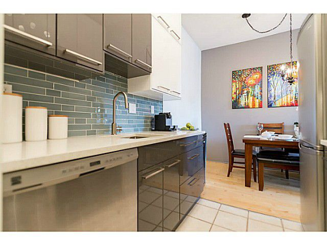 """Main Photo: 214 1345 W 15TH Avenue in Vancouver: Fairview VW Condo for sale in """"SUNRISE WEST"""" (Vancouver West)  : MLS®# V1118182"""