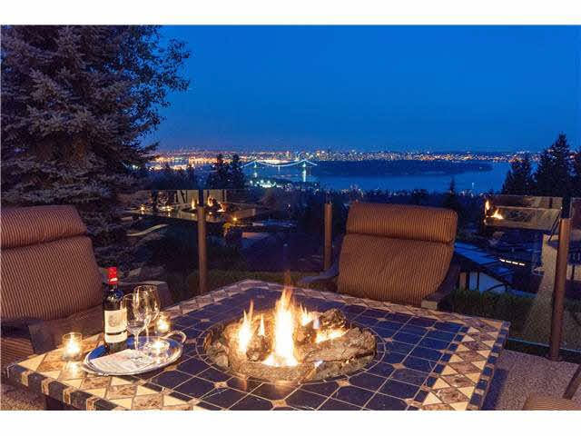Main Photo: 2478 WESTHILL Court in West Vancouver: Westhill