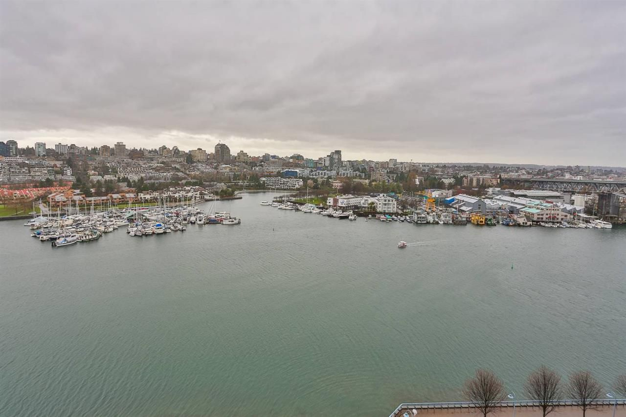 """Main Photo: 1701 1560 HOMER Mews in Vancouver: Yaletown Condo for sale in """"THE ERICKSON"""" (Vancouver West)  : MLS®# R2018871"""
