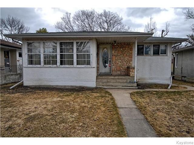 Main Photo: 586 Niagara Street in Winnipeg: River Heights / Tuxedo / Linden Woods Residential for sale (South Winnipeg)  : MLS®# 1608596