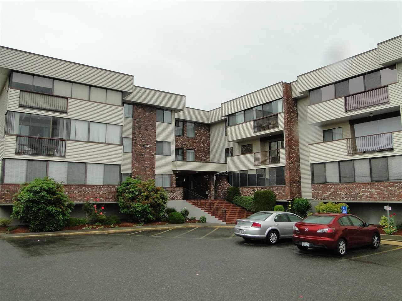 "Main Photo: 216 33369 OLD YALE Road in Abbotsford: Central Abbotsford Condo for sale in ""Monte Vista Villas"" : MLS®# R2081390"
