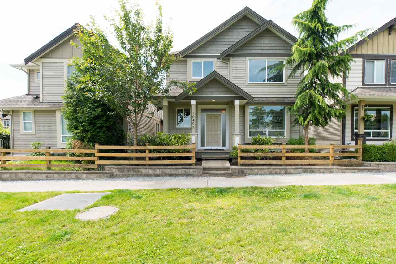 "Main Photo: 19495 70A Avenue in Surrey: Clayton House for sale in ""CLOVERDALE"" (Cloverdale)  : MLS®# R2089947"